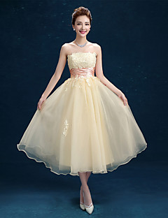 Tea-length Tulle Bridesmaid Dress A-line Strapless with Lace