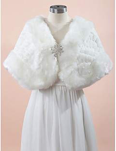 Wedding  Wraps Capes Sleeveless Faux Fur White Wedding Party/Evening Rhinestone Clasp