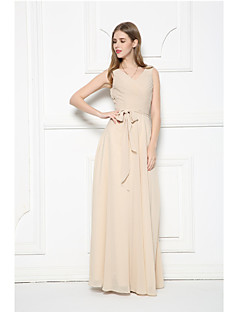 Floor-length Chiffon Bridesmaid Dress A-line V-neck with Sash / Ribbon / Side Draping