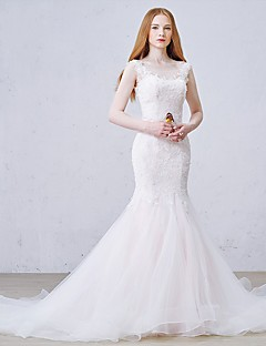 Trumpet / Mermaid Wedding Dress Court Train Scoop Tulle with Appliques