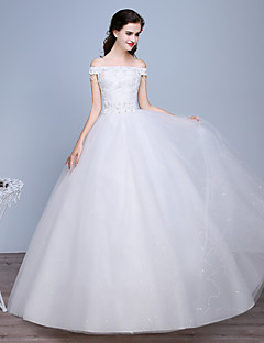 Ball Gown Wedding Dress Floor-length Bateau Lace / Satin / Tulle with Beading / Lace