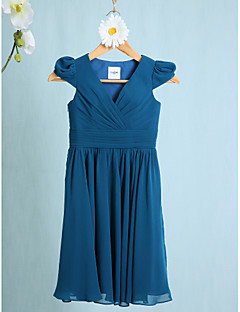 Lanting Bride® Knee-length Chiffon Junior Bridesmaid Dress Sheath / Column V-neck with Ruching / Criss Cross