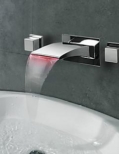 Çağdaş Duvara Monte Edilmiş LED / Şelale with  Seramik Vana İki Kolları Üç Delik for  Krom , Banyo Lavabo Bataryası