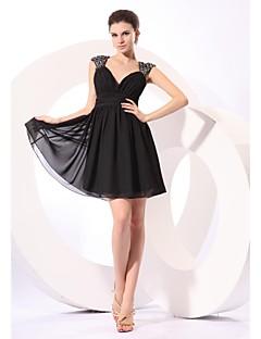 Krátký / Mini Šifón / Flitry Malé černé šaty Šaty pro družičky - A-Linie Do V s Flitry