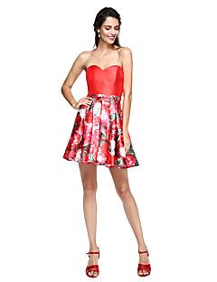 2017 TS couture® שמלת מסיבת קוקטייל לנשף - שמלת נשף פרחונית מתוק מיקאדו קצר / מיני עם אבנט / סרט