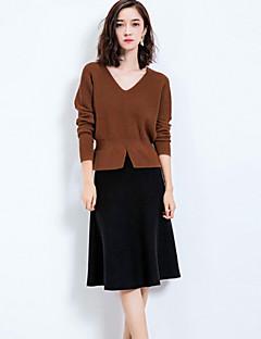 Kadın Opak Kaşmir / Polyester Uzun Kollu V Yaka Sonbahar / Kış Solid Sade Dışarı Çıkma / Günlük/Sade Kahverengi-Kadın Tişört Etek Suit