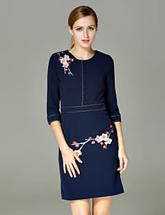 Damen Hülle Kleid-Lässig/Alltäglich Chinoiserie Stickerei Rundhalsausschnitt Übers Knie ¾-Arm Blau Polyester Herbst / Winter Hohe Hüfthöhe