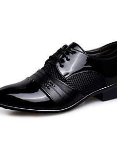 Bărbați Oxfords Noutăți pantofi Bullock Pantofi formale PU Primăvară Toamnă Nuntă Casual Party & SearăNoutăți pantofi Bullock Pantofi