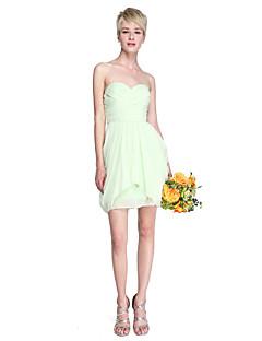 Lanting Bride® Curto/Mini Chiffon Vestido de Madrinha - Tubinho Tomara que Caia / Coração Tamanhos Grandes / Mignon comPregueado /
