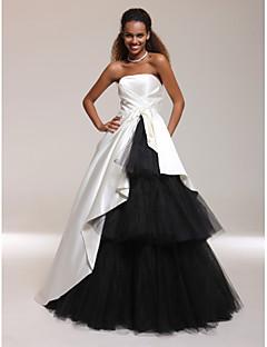 a-lineボールガウン王女ストラップレスフロアレングスサテンウエディングドレス付サイドドレープtscouture®