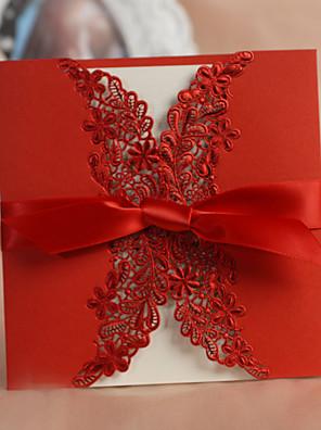 Szétnyiló Esküvői Meghívók Meghívók Klasszikus stílus / Virágos stílus Kártyapapír 15*15 cm Masnik