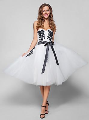Cocktailfest / Ball / Ferie / Firmafest Dress - Vintageinspirert A-linje Sweetheart Knelang Tyll med Appliqué / Belte / bånd