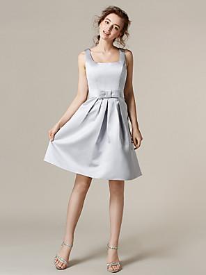Lanting Bride® באורך  הברך סאטן שמלה לשושבינה - גזרת A מרובע פלאס סייז (מידה גדולה) / פטיט עם פפיון(ים) / סרט