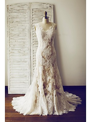 Trumpet/Mermaid Wedding Dress - Champagne Court Train V-neck Lace / Satin