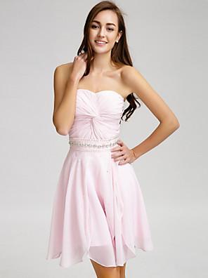 Lanting Bride® Curto / Mini Chiffon Vestido de Madrinha Linha A Tomara que Caia comMiçangas / Detalhes em Cristal / Faixa / Fita /