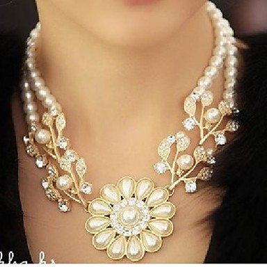 Necklace Pearl Power Necklace / Pearl Necklace Jewelry Wedding / Party / Daily / Casual Flower Vintage / Fashion Pearl White 1pc Gift