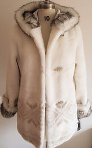 Manches longues à capuche en fausse fourrure Parti / Manteau Casual (plus de couleurs)