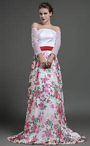Robe - Imprimé Soirée formelle Fourreau Épaule dégagée Balayage / pinceau train Mousseline polyester