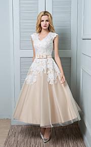 lanting mariée une ligne de robe de mariage-cheville-longueur v-cou dentelle / satin / tulle