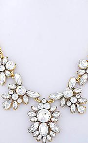 Modische Halsketten Anhängerketten Schmuck Krystall / Aleación Party / Normal Durchsichtig 1 Stück Geschenk