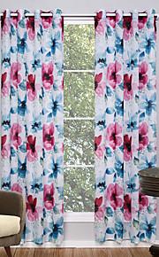 Deux Panneaux Le traitement de fenêtre Moderne , Floral / Botanique Salle de séjour Polyester Matériel Sheer Rideaux ShadesDécoration
