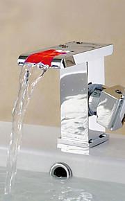 Moderne CentersatKeramisk Ventil Enkelt Håndtak Et Hull for  Krom , Baderom Sink Tappekran