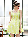 Klassisches TS Kleid mit tiefem Ausschnitt & Schleife