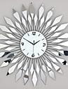 Moderne/Contemporain Vacances Inspire Mariage Famille Amis Horloge murale,Rond Nouveaute Verre Metal 68 x 68cm (26.77in x 26.77in)