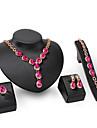 Seturi de bijuterii Ștras La modă Personalizat Euramerican Bijuterii Statement Ștras Aliaj Leaf Shape Bijuterii Auriu1 Colier 1 Pereche